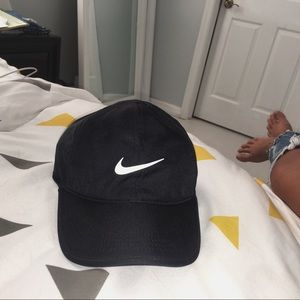 Nike Accessories - DRI-FIT NIKE HAT